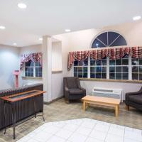 Microtel Inn & Suites by Wyndham Plattsburgh, hotel near Plattsburgh International Airport - PBG, Plattsburgh