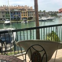 Apartamento con piscina ,playa con vistas panorámicas en la Marina de Sotogrande
