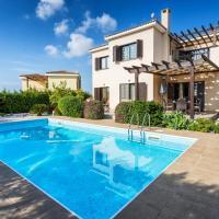 Dazzling Private Villa with Pool, ξενοδοχείο στην Πάφο