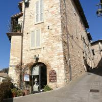 """Appartamento """"Torre Medievale Santa Chiara"""""""