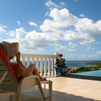 Villa zeezicht Curacao, hotel em Willibrordus