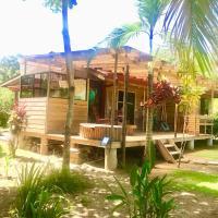 Casa Mediterránea with Pool and 2100 m2 Garden near Beach and Rain Forest