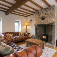 Stunning Blackberry Cottage with Log Burner - located on Haworth Main Street