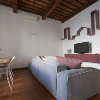 Luxury apartment Lucca center 4 people WiFi near Parking