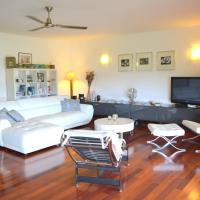 Sunset Beach Carlton- Tahiti - beachfront luxury residence & pool - 4 pers, отель в Пунаауйе