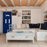 Centrally located house for 3 people in Naousa