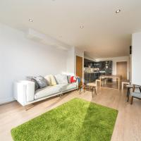 NEW 2BD Flat 4mins to Excel Centre Fast City Links