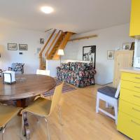 House With Courtyard & Parking Close To Stadtpark