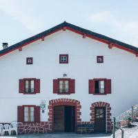 Casa Navarlaz S N, hotel in Valcarlos