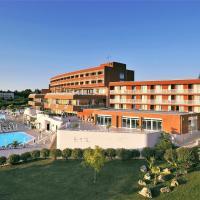 Hotel Albatros Plava Laguna, отель в Поречи