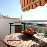 Beach and Family, отель в городе Велес-Малага
