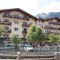 Albergo Alla Rosa, hotel in Canazei