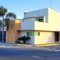 Suites Lagunas, hotel in Colima