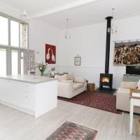 Beautiful Dorset Stone Barn conversion, light, modern & spacious