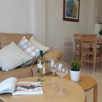 Cozy with Pool Free Wifi & Netflix, hotel in Canet de Berenguer