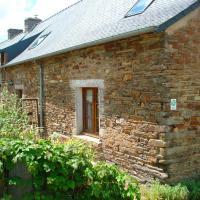 Harvest Cottage, Le Petit Poubreu, hotel in Ruffiac