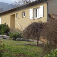 Maison au pied du Vercors, hotel in Saint-Nazaire-en-Royans