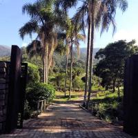 Maple Leaf Ecovillage Reserve, hotel in Engenheiro Passos