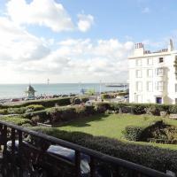 Marine Square - Regency Brighton Seafront