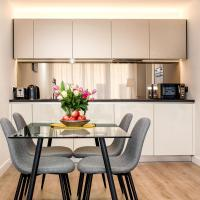 Silver Apartment Kew Bridge London