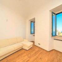 Amalfi Apartment Sleeps 4 Air Con WiFi