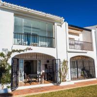 Cozy beach front house with open sea views located in Calahonda only few minutes away from Marbella - Costa del sol - CS120