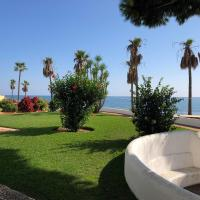 Dona Lola Micaela - fully equiped 1 bedroom ground floor beach front apartment with direct access to the beach of Calahonda - Costa del Sol - CS155