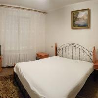 Apartment on Y. Mudroho 44