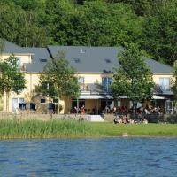 Strandhaus am Inselsee, отель в Гюстрове