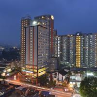 HARRIS Hotel & Conventions Ciumbuleuit - Bandung, hotel in Bandung