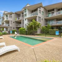BEACH BLISS LUXURIOUS APARTMENT with POOL, hotel em Kingscliff