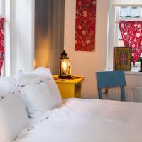 Bed and Breakfast De Pepersteeg, hotel in Marken