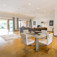 Victoria Falls, Private, Secluded, Self Catering Cottage