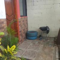 Hugo's relax home (Suite), hotel em Ayangue