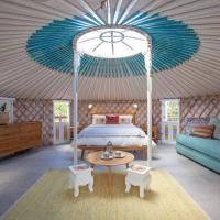 Awesome Glamping Gold Coast Hinterland, hotel in Advancetown