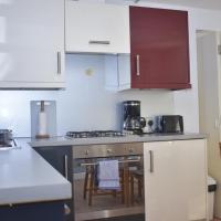 Peffermill Road - Delightfully modern two bedroom apt near Arthurs Seat