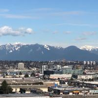 2Bed2Bath/New Condo Near Skytrain Richmond Centre