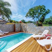 Tropical Villa @ Coral View, hotel in Roatán