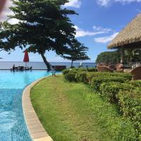 Duplex vue mer, accès direct a la plage le luxe, hotel em Arue