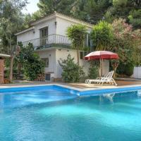Casa en la playa, bbq, sol y piscina.