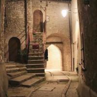 Le Case dell'Arco – Monte San Vito, hotel a Scheggino