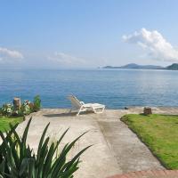 Blissful Caribbean Beachfront Villa - Snorkel From Your Door Villa, hotel en Portobelo