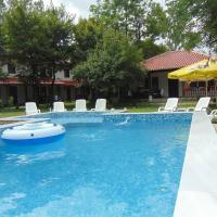 Holiday Park Ranchoto, отель в городе Кирково