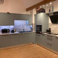 Harold Court Apartment, hotel in Waltham Abbey