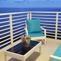 Ocean Club Apartment 401, hotel em Playas