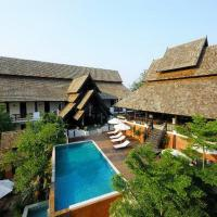 Rainforest ChiangMai Hotel، فندق في شيانغ ماي