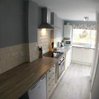 Wyken House Coventry, Parking, Ideal for Contractors, Walk to University Hospital Walsgrave,