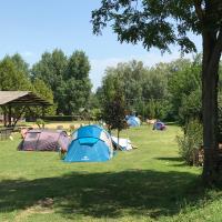 Oliver Inn Camping, hotel v destinaci Balatonlelle