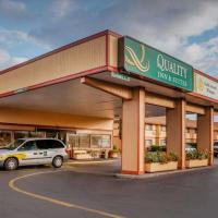 Quality Inn & Suites Medford Airport, hotel v destinaci Medford