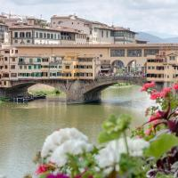 Historical Apartment Spectacular Arno View with Balcony from 12 th Century.